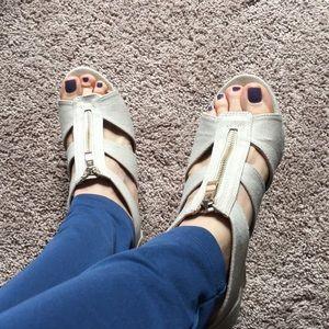 Beige fabric wedge heel